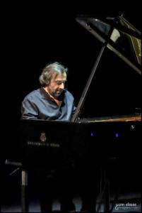 André-Manoukian 100120-1005G